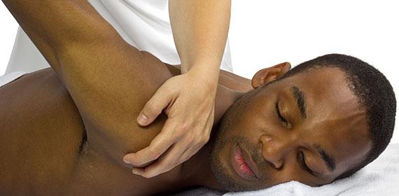Homme en Traitement de Physiothérapie
